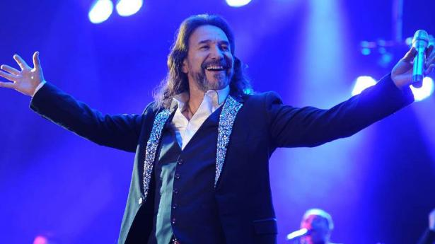 Marco Antonio Solís en concierto