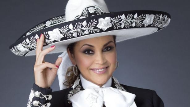 Aida Cuevas y Guadalupe Pineda