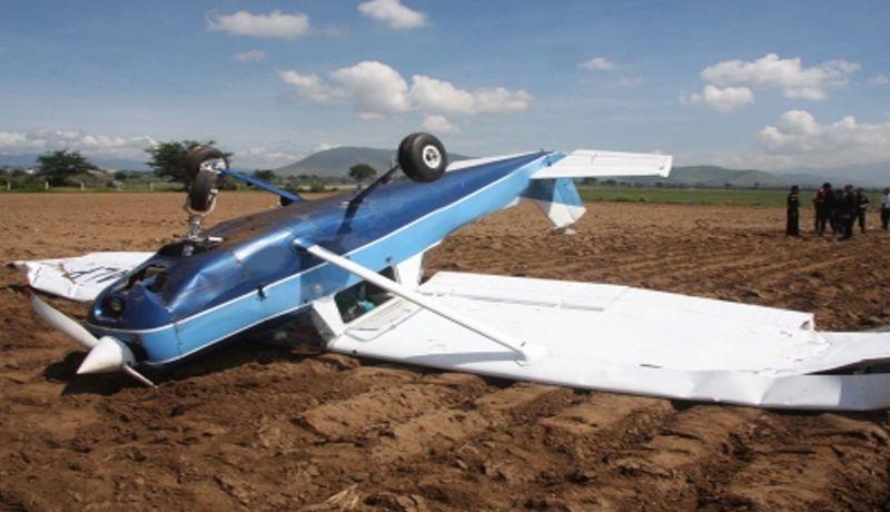 Mueren dos tras avionazo en Laredo