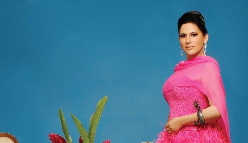 Bellas Artes se vistió de gala para celebrar a Olivia Gorra 0804f6c2579