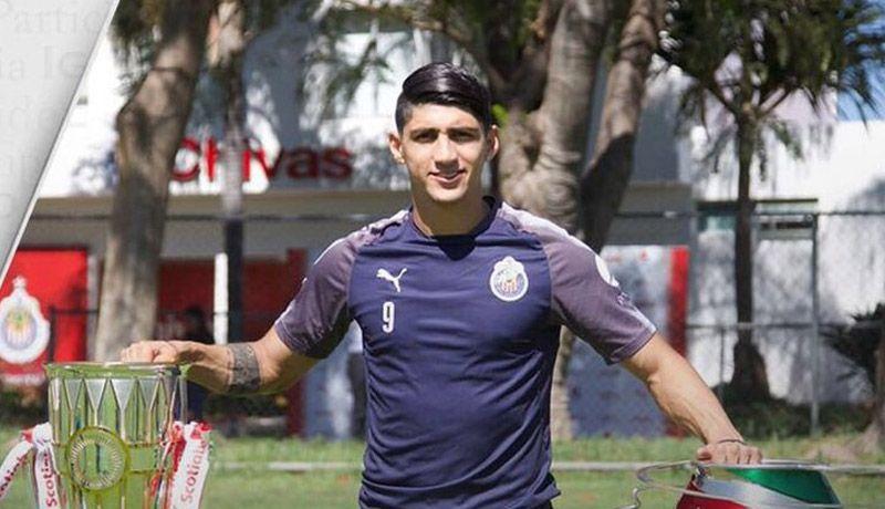 a9c34a0a7 Alan Pulido se queda en Chivas
