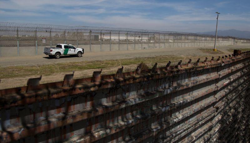 Remplazarán en El Paso tramo de cerca fronteriza por valla metálica