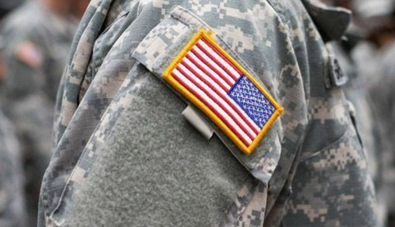 Cuatro soldados, acusados por asesinato de militar hispano en EUA