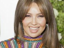 Thalía recibe reconocimientos, complace a fans y disfruta del mariachi