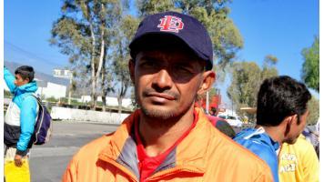 Migrante hondureño busca llegar a EU para que su hija estudie medicina