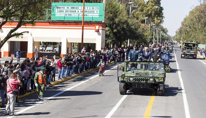 Secretario de Defensa felicita a la Fuerza Aérea Mexicana
