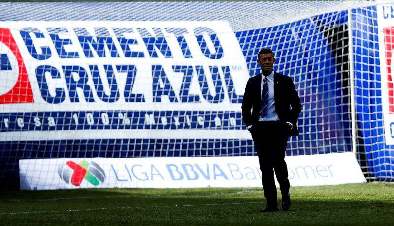 Santos Laguna aprovecha errores arbitrales para vencer 2-1 a Cruz Azul