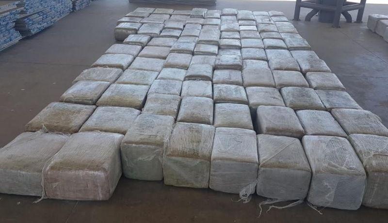 Llevaba más de dos toneladas de marihuana, lo detienen en Querobabi