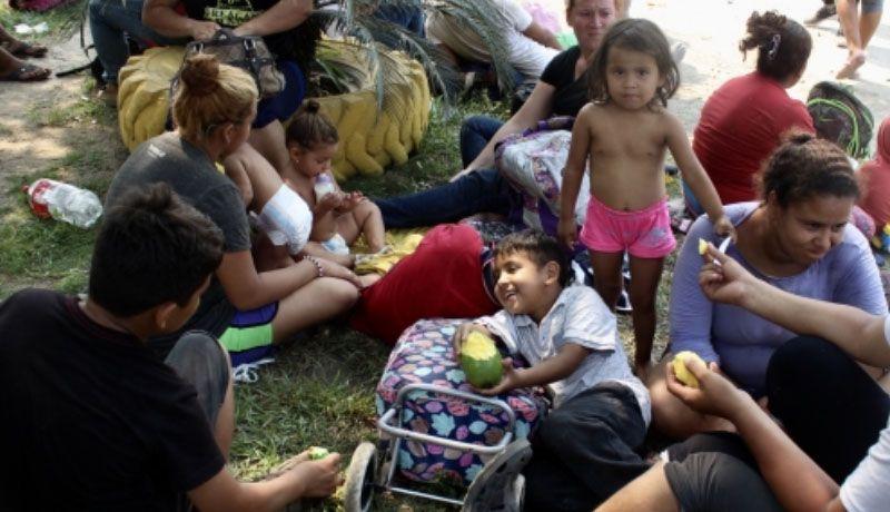 Alcaldes fronterizos piden recursos para atender a migrantes
