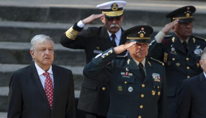 Armada refrenda lealtad absoluta a AMLO 'bajo cualquier circunstancia'