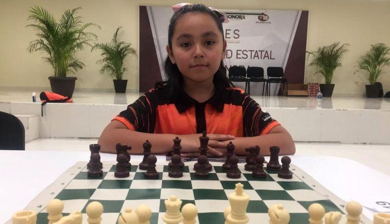 A sus 9 años, Kenia Marlene es jugadora de ajedrez y youtuber