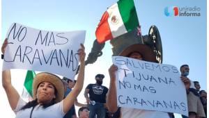 Marchan en Tijuana contra Caravana Migrante