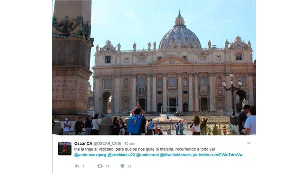 Aficionado de Cruz Azul acude a El Vaticano en busca de 'ayuda'