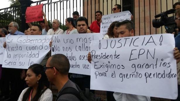Designa Fiscalía 15 agentes para esclarecer asesinado de Javier Valdez